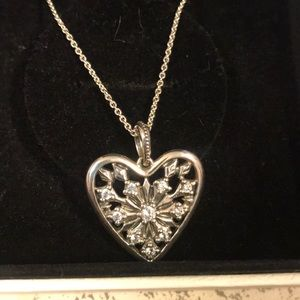 NWOT Heart of Winter Necklace, Clear CZ